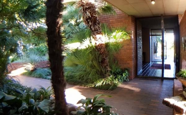outside-to-main-entrance